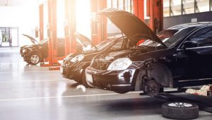 Dubai Heat and the Many Benefits of Luxury Car Services